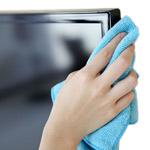 Čistilna sredstva in pribor za čiščenje tehnične opreme, poslovnih in domačih prostorov.